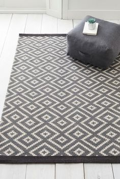 The geometric shapes create a bold and contemporary look and are finished off perfectly with the contrasting border edge. Hand woven flat weave technique with backing. Living Room Plan, Living Room Carpet, Patterned Carpet, Grey Carpet, Modern Carpet, Best Carpet, Large Rugs, Hallway Decorating, Decorating Ideas