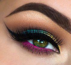 blue Bright Pink Eye Makeup, Peacock Eye Makeup, Bold Eye Makeup, Colorful Eyeshadow, Eyeshadow Makeup, Best Eyeshadow, Colorful Makeup, Beautiful Eye Makeup, Eyeshadow Looks