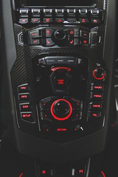 "vividessentials: ""Lamborghini Aventador LP 750-4 Superveloce | vividessentials """