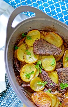 Pot Roast, Sausage, Good Food, Food And Drink, Beef, Breakfast, Ethnic Recipes, Sunnuntai, Waiting