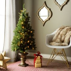 4'Entrance Tree with 70 Clear Lights in Dark Bronze Pot - UL listed