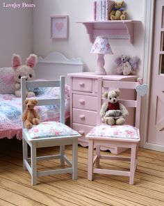 Lovejoy Bears: Sienna in Her 1:6 Scale Blythe Home