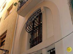 Balcó-mirador en el carrer Sant Oleguer.
