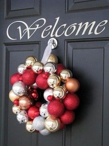 DIY Holiday Wreaths Make Awesome Homemade Christmas Decorations for Your Front Door |  Cool Crafts and DIY Projects by DIY JOY   |  Ornament-Wreath  |  http://diyjoy.com/diy-christmas-decorations-wreaths