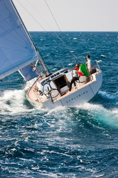 Solaris 37 - Sailing downwind