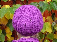 Blattlhuat: Leaves and Braid hat FREE knitting pattern