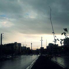 تهران من از تو هیچ نمیخواهم جز تکه پاره های گریبانم Photo by: Maryam Azadeh