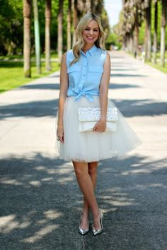 Sky blue shirt with tulle-BowsandDepos Basic Outfits, Skirt Outfits, Brunch Outfit, Full Skirts, Pretty Outfits, Pretty Clothes, Classy And Fabulous, Western Outfits, Spring Summer Fashion