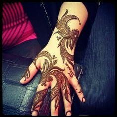 Henna design - Arabic. #khaleeji #uae