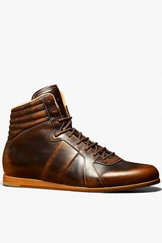 318f6a0fefd34c Gucci - Men s Shoes I could see these with some nice jeans and a plain tee