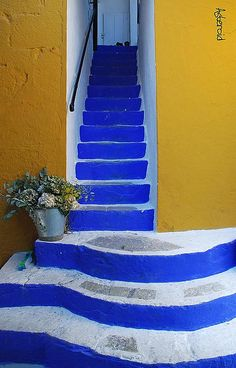 welcome #stairs #yellow #blue