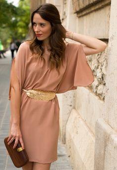 nude dress + feather belt   Macarena Gea
