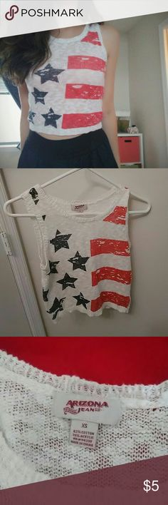 American flag croptop This americana crop top is very comfy and easy to style. It goes great under a denim shirt in the fall or spring or with high waisted shorts or skirts during the summer. Very retro Arizona Jean Company Tops Crop Tops