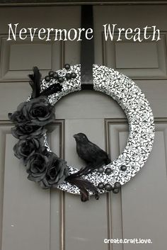 Halloween Wreath via http://createcraftlove.com #halloween #wreath