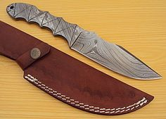DAMASCUS CUSTOM HAND MADE FULL TANG BEAUTIFUL HUNTING KNIFE WITH LEATHER SHEATH #BestSteelWarrior