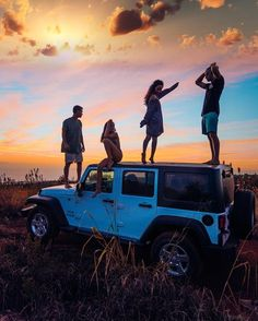 Amazing travel photography. Who doesn't love a road trip with friends?