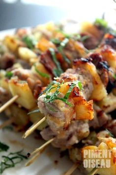 Pork Skewers With Pineapple Grilling Recipes, Pork Recipes, Asian Recipes, Cooking Recipes, Grilled Fruit, Grilled Veggies, Kebab, Tapas, Pork Ribs
