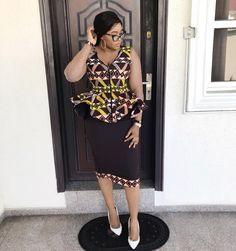 Last Short Ankara Skirt & Blouse for this year. Are you Looking for the Best short Ankara Skirt Ankara Gown Styles, Ankara Gowns, Latest Ankara Styles, Ankara Dress, Dress Styles, African Print Dresses, African Print Fashion, African Fashion Dresses, African Dress