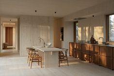 Geïnspireerd door het gevoel van stilte - APRIL EN MEI Kitchen Interior, Home Interior Design, Interior Architecture, Interior And Exterior, Nordic Design, Küchen Design, Modern Design, House Design, Chair Design