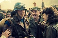 Captain-America-The-First-Avenger-movie-image-Chris Evans as Steve Rogers Hayley Atwell as Peggy Carter The Avengers, Avengers Film, Avengers Quotes, Avengers Imagines, Avengers Poster, Peggy Carter, Agent Carter, Sharon Carter, Steve Rogers