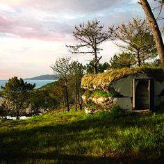 A tiny Spanish vacation hut by architect Anton Garcia Abril