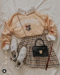 Girls Fashion Clothes, Teen Fashion Outfits, Retro Outfits, Cute Fashion, Outfits For Teens, Vintage Outfits, Girl Outfits, Swaggy Outfits, Cute Casual Outfits