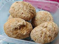 Tojás- és élesztőmentes puha köleses zsemle recept hisztaminmentes diétához Muffin, Breakfast, Food, Breakfast Cafe, Muffins, Meal, Eten, Hoods, Meals