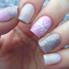 Try some of these designs and give your nails a quick makeover, gallery of unique nail art designs for any season. The best images and creative ideas for your nails. Sparkle Nails, Fancy Nails, Trendy Nails, Xmas Nails, Holiday Nails, Snow Nails, Christmas Manicure, Seasonal Nails, Valentine Nails