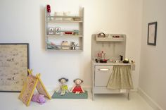 Wooden toy kitchen. Wooden shelf. Handmade toys. Wooden toys by Macarena Bilbao