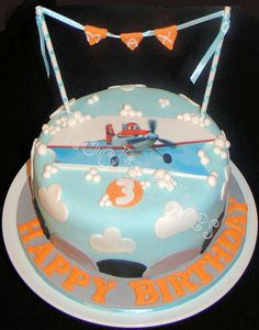 Cake based on a design by Let there be cake confectioners. Airplane Cakes, Photo Cakes, Birthdays, Happy Birthday, Desserts, Kids, Food, Anniversaries, Happy Brithday