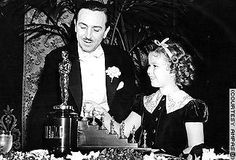 Walt Disney received a special Academy Award for Snow White and the Seven Dwarfs: 1 big Oscar statue with 7 little ones.