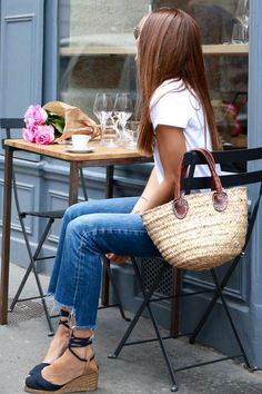 bartabac paris cafe, summer look, espadrilles, beach tote