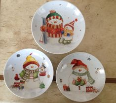 pintura a mão, @arteemporcelanas Christmas Dishes, Christmas Balls, Rustic Christmas, Christmas Art, Christmas Themes, Christmas Decorations, China Painting, Tole Painting, Ceramic Painting