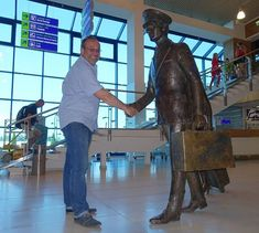 Verabschiedung nach einer interessanten und wunderschönen Reise durch die Republik Moldau  #taipantouristik #moldau #moldova #chisinau #flughafen #airport #spaß #rundreise #reiseblogger #immereinereisewert #reisen #wanderlust #instagood Wanderlust, Instagram, Saying Goodbye, Round Trip, Viajes, Nice Asses