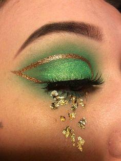 Eye Makeup Glitter, Day Eye Makeup, Day Makeup Looks, Smoky Eye Makeup, Gold Makeup, Natural Eye Makeup, Unique Makeup, Creative Makeup Looks, Green Eyeshadow