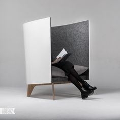 V1 chair by Odesd2