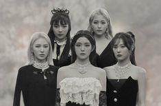Wendy Red Velvet, Red Velvet Joy, Red Velvet Irene, Black Velvet, Velvet Style, Kpop Girl Groups, Korean Girl Groups, Kpop Girls, Velvet Wallpaper