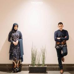dress pesta couple batik 2020 by mbatik.id Kebaya Hijab, Kebaya Dress, Dress Pesta, Kebaya Muslim, Model Kebaya Modern, Kebaya Modern Dress, Kebaya Wedding, Muslimah Wedding Dress, Baju Couple Muslim