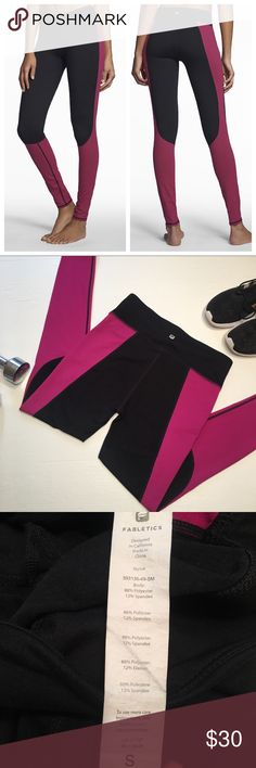 """Fabletics Sydney Colorblock Athletic Leggings Fabletics Sydney Colorblock Leggings. Great for working out in!!! Size S. Measurements: waist-14"""", inseam-27"""". *No trades or try on's. **Props not included ***SMOKE FREE HOME A10 Fabletics Pants Leggings"""