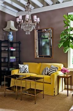 Fab pop of color with yellow sofa! #decor