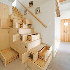 Gebruik je trap voor extra opbergruimte: 5 voorbeelden