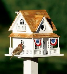 birdhouse with patriotic buntings