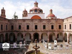 EL MEJOR HOTEL DE MORELIA. ¿Sabía usted que 260 de los monumentos que tiene la capital michoacana, son considerados como relevantes? Un ejemplo de esto es el majestuoso Palacio Clavijero de estilo barroco, el cual data de mediados del siglo XVII. En Best Western Plus Gran Hotel Morelia, le invitamos a hospedarse en nuestras instalaciones para que planee la mejor ruta en este viaje y conozca los sitios más importantes de nuestra preciosa ciudad. http://www.bestwesternplusmorelia.com.mx