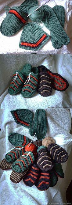New Knitting Socks Pattern Mens 34 Ideas Crochet Slipper Boots, Crochet Slipper Pattern, Crochet Sandals, Knitted Slippers, Crochet Crafts, Crochet Projects, Knitting Patterns, Crochet Patterns, Mode Crochet