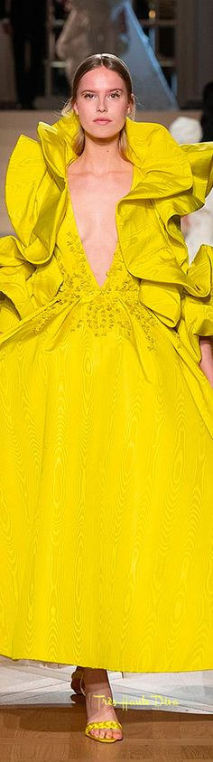 Ashi Haute Couture Spring 2019 ♔ Très Haute Diva Runway Fashion, High Fashion, Ashi Studio, Estilo Glamour, Couture Embroidery, Spring Couture, High Society, Happy People, Marie Antoinette
