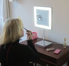 Gift idea: Lighted Makeup Mirror