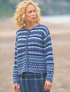 Patons Country Garden DK yarn featured in Booklet 500941 has been discontinued. Patons Astra yarn is featured in pdf pattern download (June 2009).