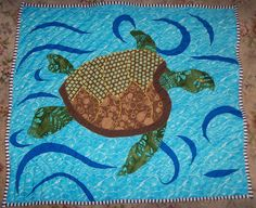 Maybe make for the turtle lover! Turtle Baby, Baby Turtles, Sewing Ideas, Sewing Projects, Turtle Quilt, Animal Quilts, Tortoises, Quilted Wall Hangings, Baby Quilts