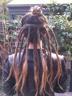 ..........to this!! Niribi started her dreadlock adventure today after years of consideration she opted for a half head to compliment her lovely locks, a lovely look!