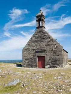 La chapelle Saint-Michel à Brasparts dans les Monts d'Arrée - #Finistère #Bretagne #Brittany